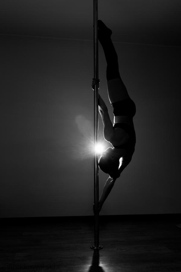 pole-dance-10
